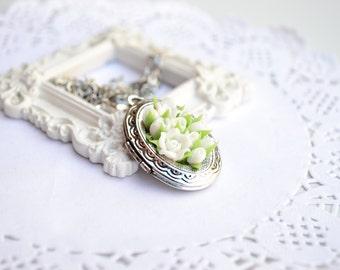 Locket necklace. White roses flower floral photo locket roundel medallion necklace pendant. Vintage locket necklace. gift for her women