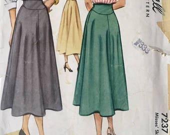 Skirt vintage pattern, McCall 7237, waist 26 in