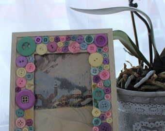Pastel Button Photo Frame