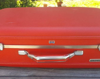 Vintage 60's American Tourister Hardshell Carry-on / beautiful coral red / Tourister Series