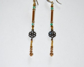 Vintage earrings vermeil, small flower Zircons