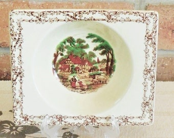 The Biarritz Royal Staffordshire by Clarice Cliff, Art Deco 1930s, 15.5cm x 13cm oblong deep serving dish cottage scene