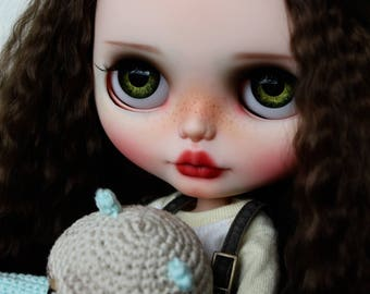 RESERVED Esme' - Custom Blythe doll, OOAK Art doll by AlmondDoll
