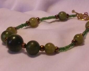 Mossy Green Pearl Bracelet