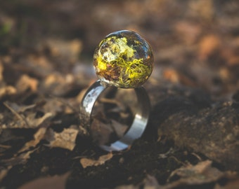 Orb Resin Nature Ring with Lichen, Moss and Bark
