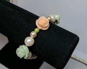 Multi Tone Flower Pearl Bracelet