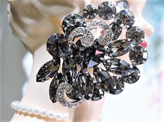 Vintage WEISS Rhinestone Brooch / Mid Century Rhinestone Brooch / Designer Jewelry