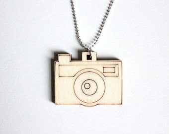 Camera necklace, Wooden camera necklace, Wooden jewelry, Wooden necklace, Christmas gift, Photography necklace, Photography jewelry
