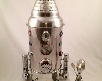 Rocket & astronaut