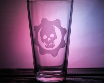 Gears of War - Pint Glass - GOW - Pint Glass - Wine Glass - Gamer Glass - Sandblasted - Gift Ideas - Gifts for Him