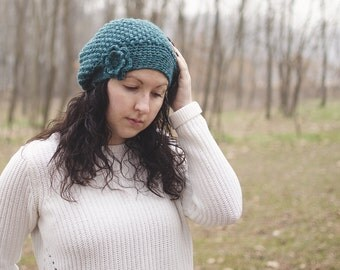 Crochet beret Hat-mod. Daphne-emerald green