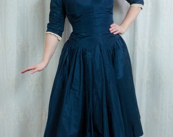 1950s Midnight Blue Taffeta and Lace Party Dress - S/M