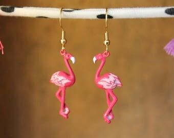 Pink Flamingo Earrings, Tropical Earrings, Kitsch Earrings, Flamingo Jewelry, Bird Earrings