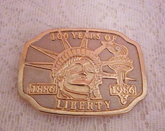 Hundred years of Liberty 1886-1986 belt buckle, Statue of the Liberty commemorative belt buckle, large men buckle.