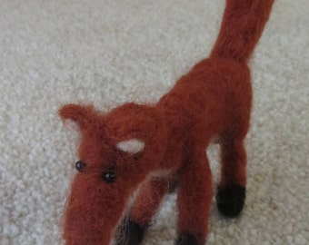 Little felted fox