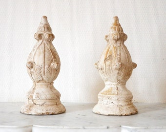 Pretty pair of earthen bookends