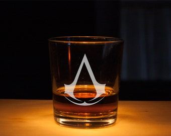 Assassin's Creed Glass, Rocks Assassin Creed Etched glass, Unique gift, Scotch glass, gift for dad, assassin glass