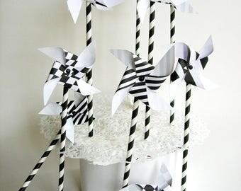 Paper pinwheels 10 pieces. Straws, black white. Wedding, house warming, children's Party.