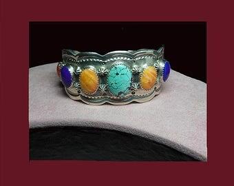 Vintage Navajo Native American Indian bracelet. Signed ROIE JAQUE STERLING