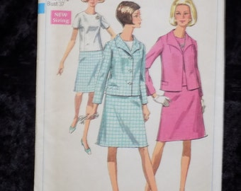Vintage 1960s Pattern, Simplicity 7489, Suit and Overblouse in Half-Sizes, Size 14 1/2 Bust 37