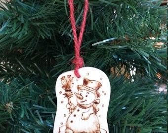 Wooden Christmas decoration snowman and snow-Pirografata