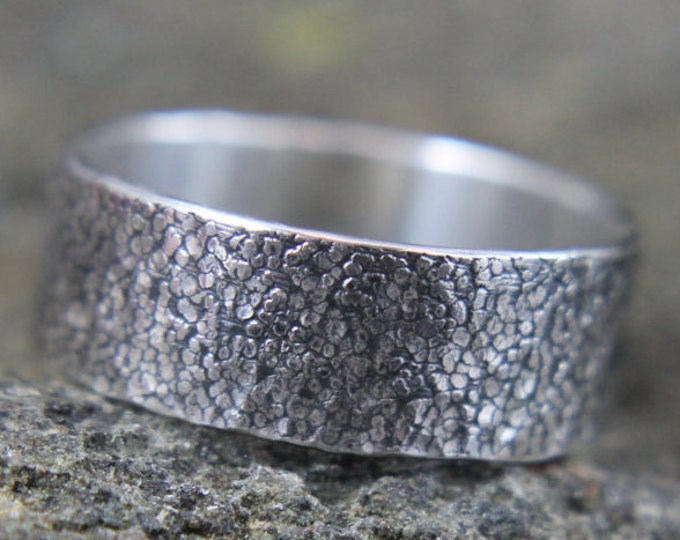 Hammered Sterling Silver Ring, Textured Stone Pattern Ring, Embossed Rock Design, Wide Wedding Band, Birthday or Valentines Day Gift for Him