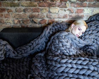 Chunky knit throw blanket, arm knitting from 100% merino wool giant yarn, extra warm chunky knit blanket, bedding