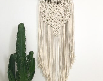 Macrame Wall Hanging - Wall hanging - macrame wall hanging adorned with green beads - Bohemian decor