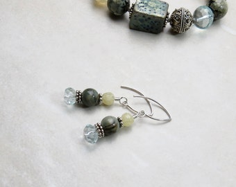 Dark Green Earrings // Beaded Earrings // Everyday Earrings