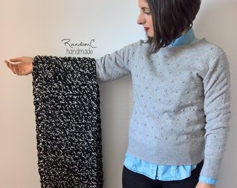 Wool crochet scarf - black and white