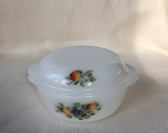 Arcopal France fruit bowl with lid