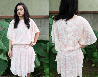 1980's Pink Rose Bud Floral Dress With Ruffled Sleeves