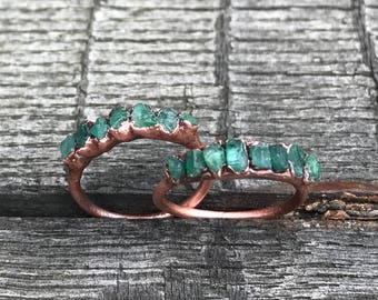 Genuine emerald ring / Real emerald ring / Raw gemstone ring / Raw emerald ring / Dainty emerald ring / May birthstone / stacking ring