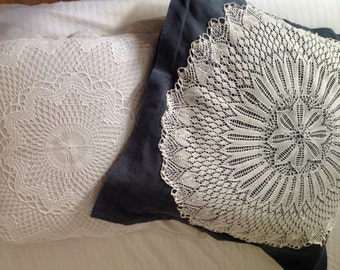 Cushion cover 65x65 with vintage crochet.