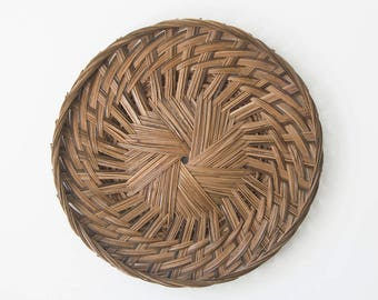 Vintage large woven wicker basket / Wall hanging / Wall decor / Bohemian style decoration / Woven tray