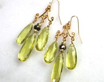 Long Luxe Lemon Oro Verde Quartz, Pyrite, 22kg vermeil chandelier earrings...