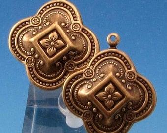 Large Quatrefoil Pendant, Boho Charm, Brass Ox, 2 Pc. AB129