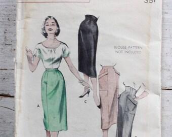 """1950s Skirt Pattern / Butterick 6929 / High Waist Skirt with Huge Pockets / 6 Gore Skirt / Waist 28"""""""