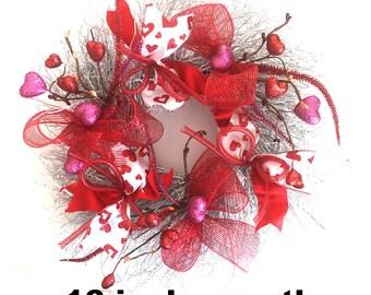 Small Valentine's Day Wreath, winter wreathe, Valentine Decor, ribbons, wall decor, home decor, wreath for front door, door hanger