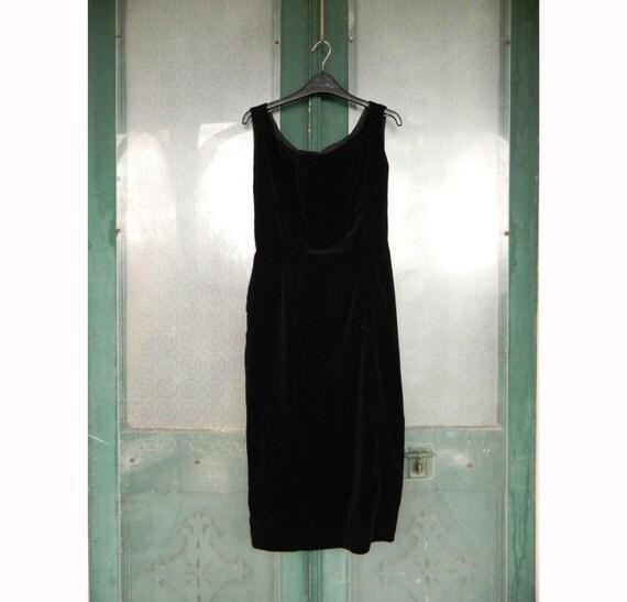 Black Velvet Hourglass Sleeveless Cocktail Dress S/M