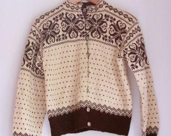 Vintage ladies wool Norwegian cardigan sweater tan and brown William Schmidt Oslo size small medium