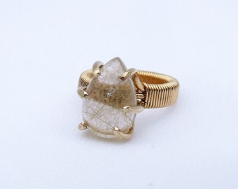 Golden Rutile Ring, natural stone, midi ring, pinky ring, rutilated quartz, prong set, ring size 2