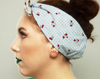 STRAWBERRY FIELDS Cotton Rockabilly Head Scarf/ Dolly bow/ Bandana. 50s Inspired, housewife styled, Retro/ Vintage/ Kitsch