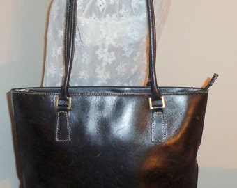 Vintage tote thick glazed sturdy yet supple full grain leather nickel accents top zip dual  handle bag vintage 90s