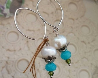 vintage jewelry bits and pieces and pearls drop earrings