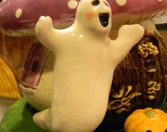 Ceramic Ghost  OH MY, its a Floating  GHOST   Boo   terrarium miniature glazed Pottery . Spooky Boo Goblins Halloween decor safe Outside