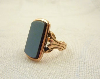 Antique Victorian 14K Gold Black and White Agate Signet Ring Size 4 1/2
