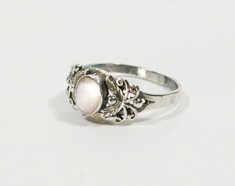 Vintage Sterling Mother Of Pearl Ring, 925 Sterling Silver Feathers and Scroll Work Pink Mother Of Pearl Ring Size 6