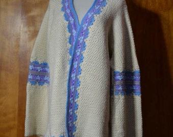 70s Boho Acrylic Sweater Cardigan Size L Ivory Lavender Blue