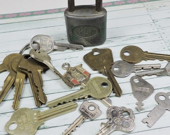 Vintage Lock and Keys-Destash-Repurpose-Altered Art Supplies